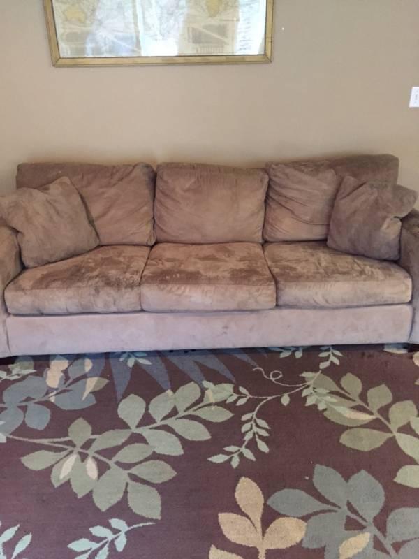 Free - Couch/Sleeper Sofa - Portland Area - wwwifishnet